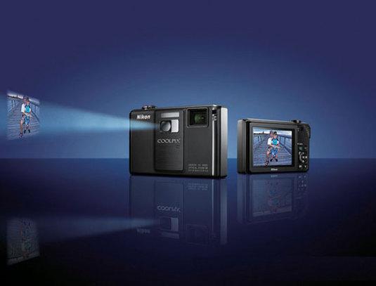 videocamera-con-videoproiettore-COOLPIX-S1000pj
