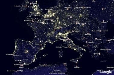 La terra di notte, google earth grazie alle immagini della NASA